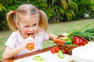нггшўззгнш-300x200 Вегетарианство и дети. Доставка фруктов для детей.